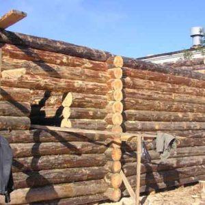 Строительство дома из строганного бревна